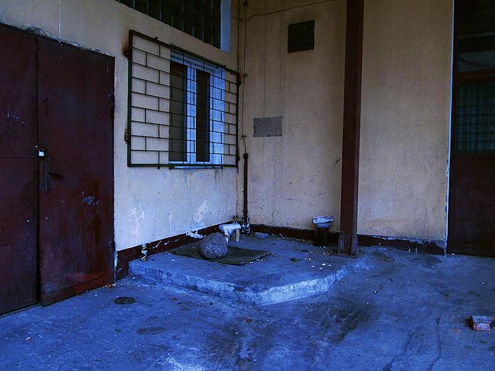 dirtiest-place-by-homeless-bezdomni---bydgoszcz--pasozyt-parasite---photo09