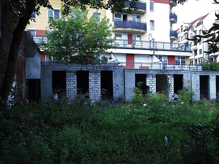 dirtiest-place-by-homeless-bezdomni---bydgoszcz--pasozyt-parasite---photo11