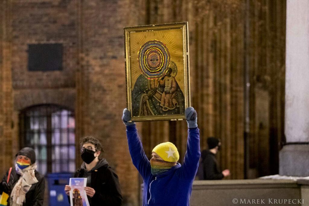 Demonstracja solidarnościowa z oskarżonymi za obrazę tęczą uczuć religijnych #TęczaNieObraża